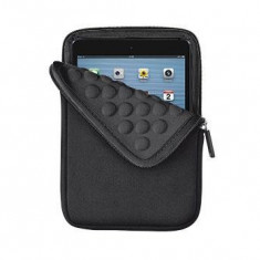 Trust 8 Anti-shock Bubble Sleeve for tablets - black