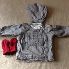 Geaca de iarna copii H&M, 12-18 luni, 86cm, + caciula H&M si manusi Quechua, Culoare: Gri, Baieti