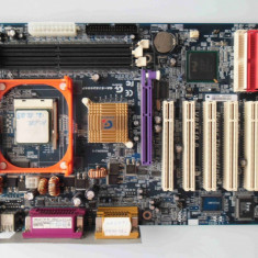 Placa de baza Gigabyte GA-8IE2004P FSB 800 DDR1 AGP socket 478, Pentru INTEL, Contine procesor, ATX