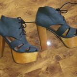 Sandale JEFFREY CAMPBELL marimea 37 purtate de vedete (DEMI LOVATO in foto) - Sandale dama, Piele naturala