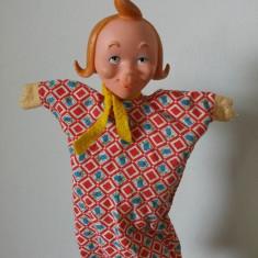 Marioneta papusa manuala teatru de papusi, cap cauciuc, corp textil, fata cu mot - Jucarie de colectie