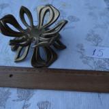 Metal/Fonta - Suport din bronz in forma de floare-vintage-aprox 13 cm diametru