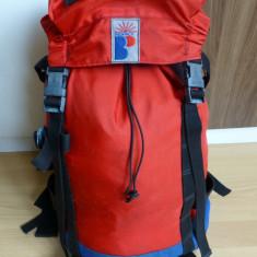 Rucsac Bigpack; 43 x 25 x 16.5 cm = 18 litri volum; stare excelenta