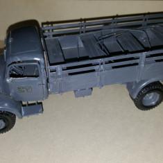 + Macheta asamblata si vopsita 1/35 - Camion Mercedes L4500s + - Macheta auto Zvezda