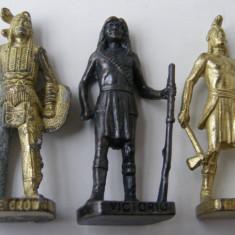 Soldati din metal - indieni - Surpriza Kinder