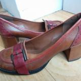 Pantofi din piele firma Clarks marimea 39,arata ca noi!