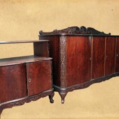 Set mobila living - Vand mobila sculptata, furnir nuc, usi ondulate, mata.