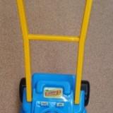 Masina de jucarie pentru tuns iarba - Spatiu de joaca