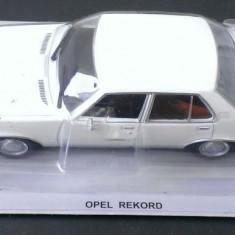 Macheta metal DeAgostini - Opel Rekord 2100D - Masini de Legenda Polonia - Macheta auto, 1:43