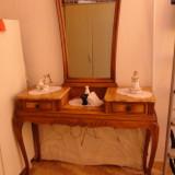 Masa bijuterii cu oglinda