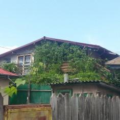 Casa de vanzare, Numar camere: 3, Suprafata: 77, Suprafata teren: 1000 - Casa+garaj+teren 1000 mp in Slobozia, pozitie foarte buna