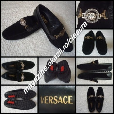 MOCASINI NEGRI BARBATI PIELE GEN FIRMA VERSACE PANTOFI SPORT ELEGANTI COMOZI - Pantofi barbati Versace, Marime: 42, Culoare: Negru, Piele naturala