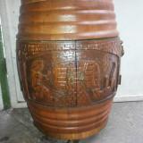 Butoi-bar, vechi belgian, din lemn sculptat, cu usite duble, suport pahare si sticle
