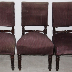 Mobilier - Set 3 scaune din lemn masiv pentru reconditionare; Scaun cu saltea pe arcuri