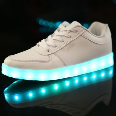 Adidasi Tenesi cu led leduri Unisex 7 culori 4 jocuri de lumini #2016 - Tenisi barbati