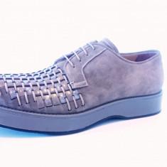Pantofi barbati Emporio Armani marimea 42, Culoare: Gri, Piele naturala
