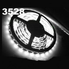 Rola Banda LED 5M 500cm 300 LED SMD 3528 Albastru / Rosu / Alb Pur / Alb Cald - Led auto EuropeAsia, Universal
