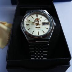 Ceas automatic Orient Classic Tristar gold edition - Ceas barbatesc Orient, Elegant, Mecanic-Automatic, Inox, Data