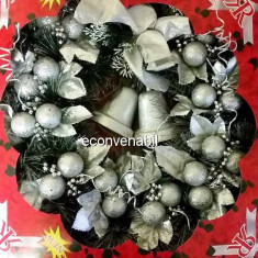 Coronita de Craciun Brad Artificial cu Globuri si Clopotei 49cm Div.Modele - Ornamente Craciun