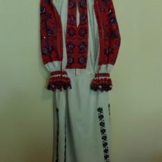 Costum popular - CAMASA POPULARA CU POALE, DIN TINUTUL PADURENILOR