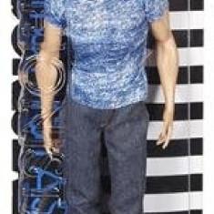 Papusa Barbie Fashionista Doll In Boy Ken Mattel