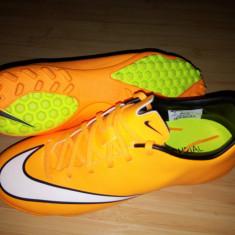 Adidasi fotbal pt sintetic Nike Mercurial, marimea 39.5-40 - Ghete fotbal, Culoare: Din imagine, Teren sintetic: 1, Iarba: 1