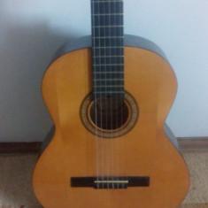 Chitara clasica Hora Reghin + capodastru
